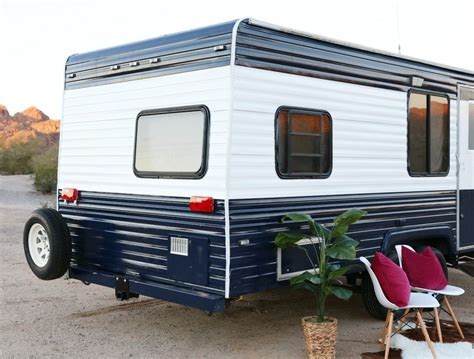 Wohnwagen Neu Lackieren by Cer Makeover How To Repaint A Travel Trailer