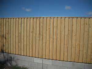 Types Of Garden Fencing - timber fencing bowen prosperpine airlie beach whitsunday region fencing queensland