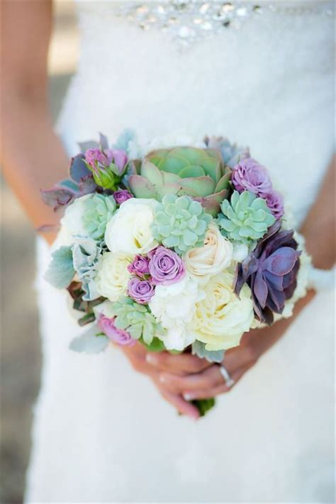 Small Flower Bouquets For Weddings by 1000 Ideas About Small Wedding Bouquets On