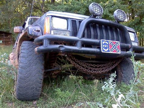 Chaign Jeep Chain On Yhe Front Kinda A Pic Req Jeep Forum