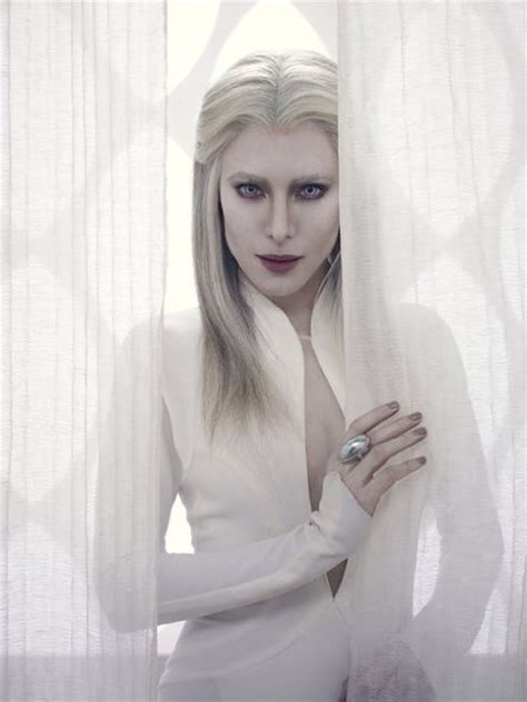 cast of the woman hottest woman 7 29 15 jaime murray defiance king of