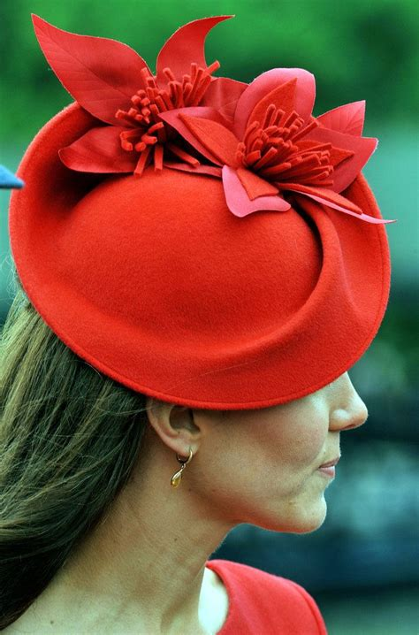 matilda extravagant hairstyles 169 best fascinator fascination images on pinterest