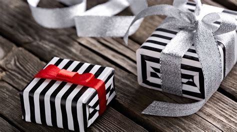 business gift business gift giving etiquette and mistakes to avoid