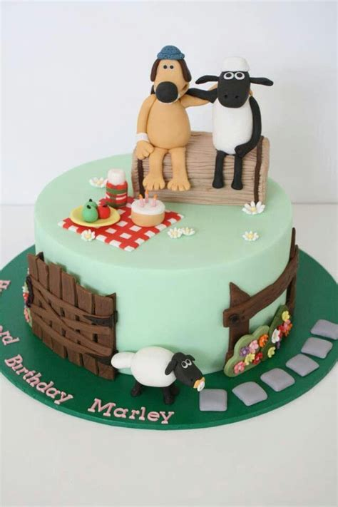 shaun  sheep birthday cake party pinterest birthdays sheep cake  cakes
