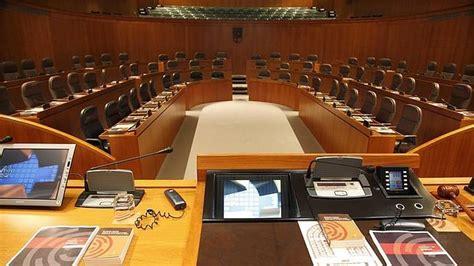 cortes de aragon un diputado aragon 233 s cobra 2 965 euros sin sumar los
