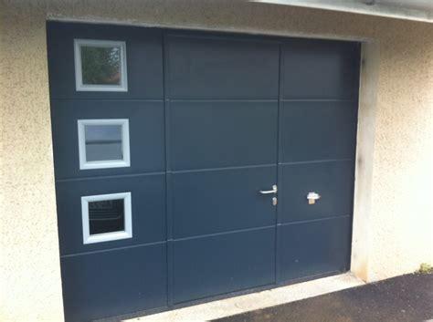 porte de garage sectionnelle avec portillon 2372 sectionnelle gamme nouvelle conseil installations et