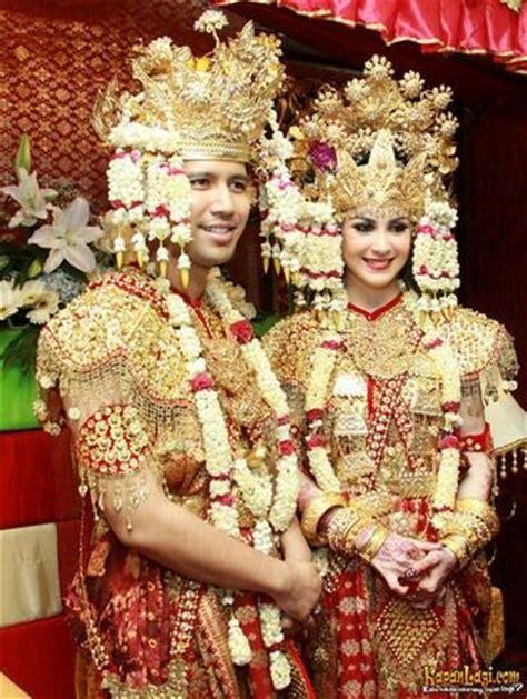 Kaftan Ratu Maroo pengantin palembang history
