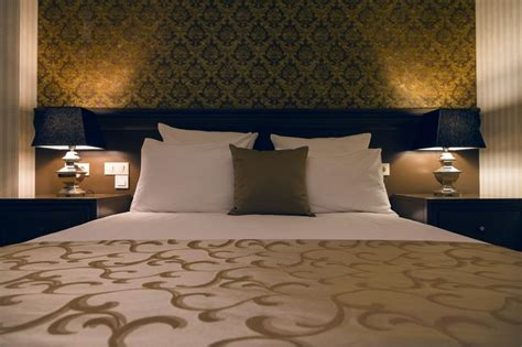 Background Bedroom by Headboard And Bed Background Wall Designs