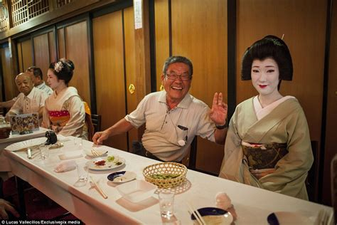 geisha house inside the secret world of the geisha daily mail online