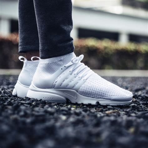 Nike Air Presto Ultra Flyknit All White an on look at the nike air presto flyknit ultra white