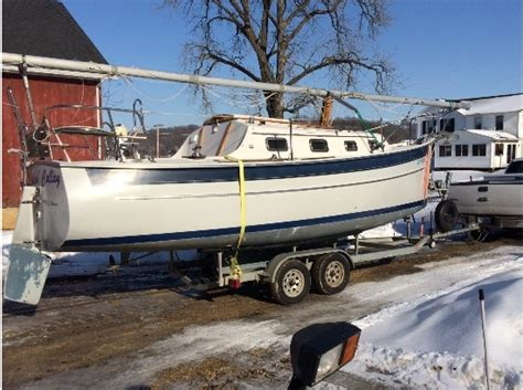 boats for sale in dubuque iowa sloop sailboats for sale in dubuque iowa