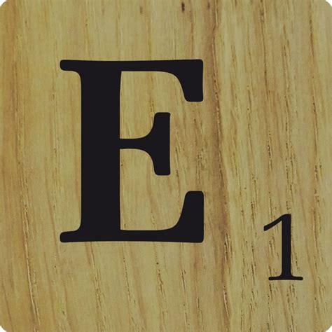 e scrabble lettre d 233 co scrabble en bois naturel e