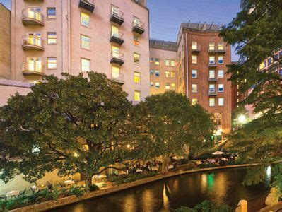 Riverwalk Apartments San Antonio by Located Right On The River Walk Vrbo