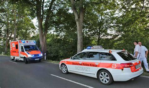Motorrad Unfall Ulrichstein in der langen kurve gegen einen baum oberhessen live