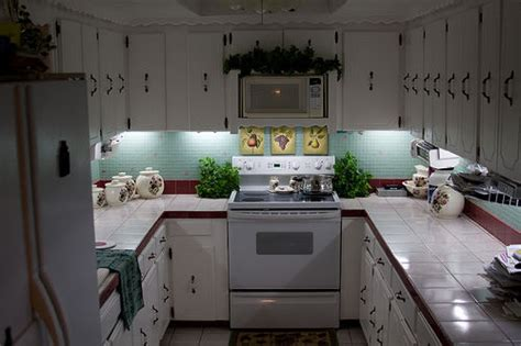 Inexpensive Diy Under Cabinet Lighting 5 Steps With Inexpensive Kitchen Lighting