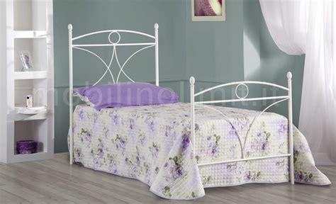 letto singolo ferro battuto bianco letto singolo in ferro battuto con testiera e pediera