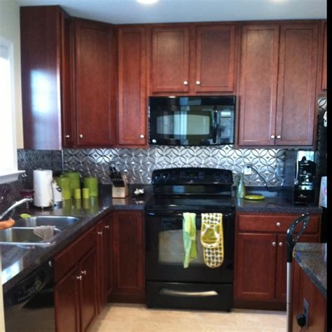 Kitchen Backsplash Tin I Really Love The Looks Of This Kitchen Please Note The