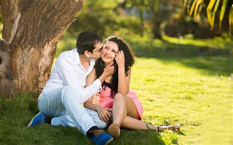 romantic couple kisses  park happy moods hd wallpapers