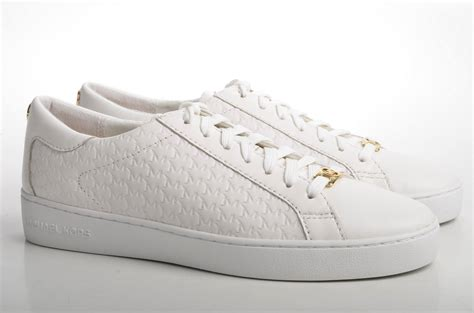 Sneakers White must white sneakers