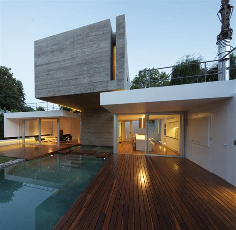 bunker house built around a pool by estudio botteri