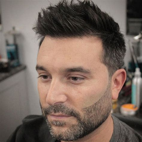 haircuts for male round faces best haircuts for guys with round faces men s haircuts