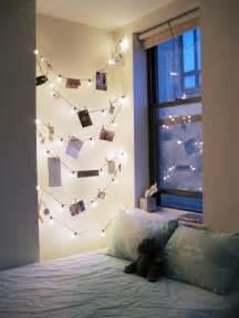 Exceptionnel Idee Deco Chambre A Coucher #1: les-guirlandes-belles-lumineuses-boulesguirlandes-boules-chambre-%C3%A0-coucher.jpg