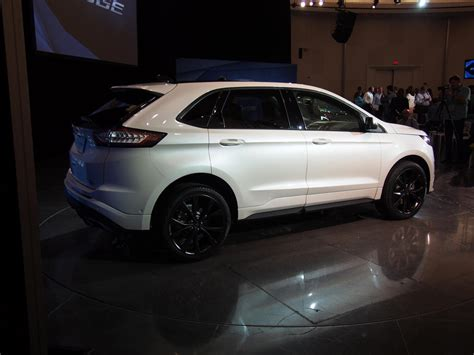 180 degree camera ford edge 2015 ford edge revealed updated with live shots the