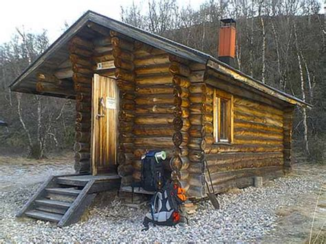 build a cottage small tiny log cabins inside a small log cabins simple