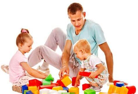 imagenes de niños jugando con sus padres la importancia de jugar con los ni 241 os