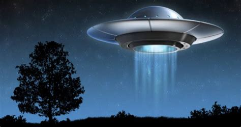 U F O 10 ufo encounters reported by commercial airline pilots
