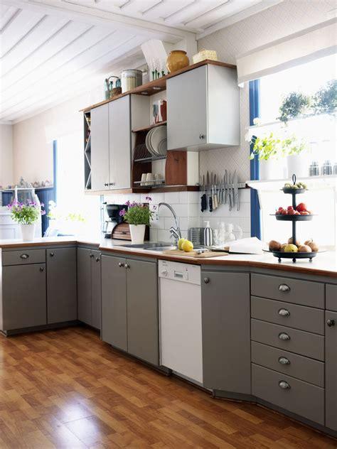 Best Way To Arrange Kitchen Cabinets Best Way To Organize Kitchen Cabinets Cabinet Organization Kitchen Small Kitchen Storage Ideas