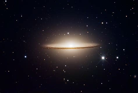 sombrero galaxy high resolution sombrero galaxy pics about space