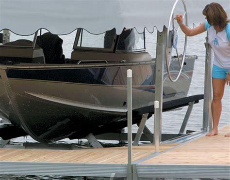 hewitt boat lift floe hewitt docks boat lifts st croix dock wi mn wakeboss