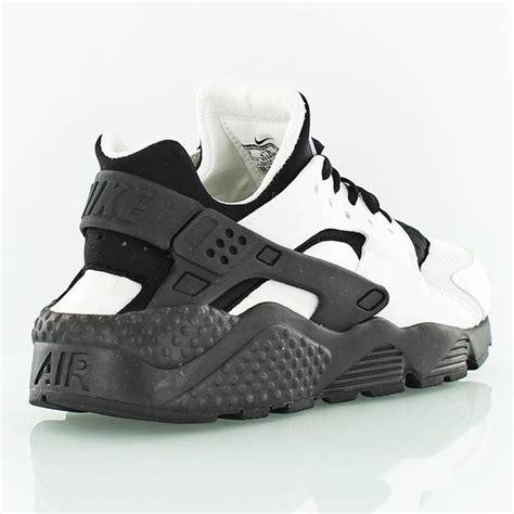 air huarache black and white nike womens air huarache run white black the sole supplier