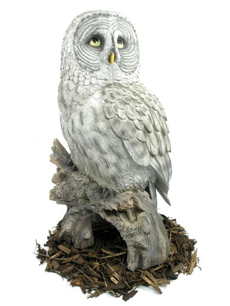 Garden Owl by Great Grey Owl Resin Garden Ornament 163 79 99