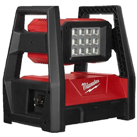Milwaukee 2360 20 M18 TRUEVIEW LED HP Flood Light