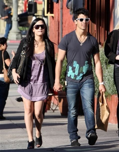 did demi lovato and joe jonas dated in real life demi lovato and jonas brothers images demi joe on date