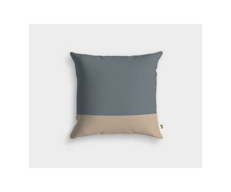 coussin gris coussin gris charcoal et taupe clair made in design