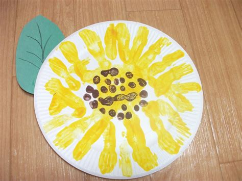 Simple Crafts With Paper Plates - preschool crafts for easy paper plate sunflower craft