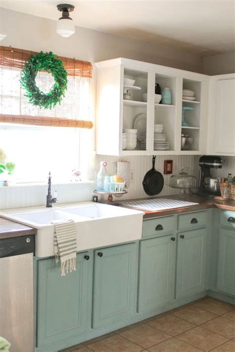 chalk painted kitchen cabinets 25 best ideas about two tone kitchen on pinterest two