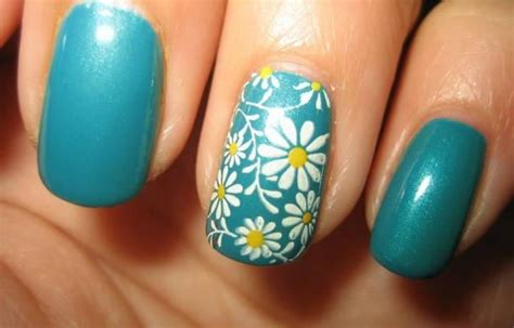 daisy pattern nails daisy nail art design detail spring nails yellow white