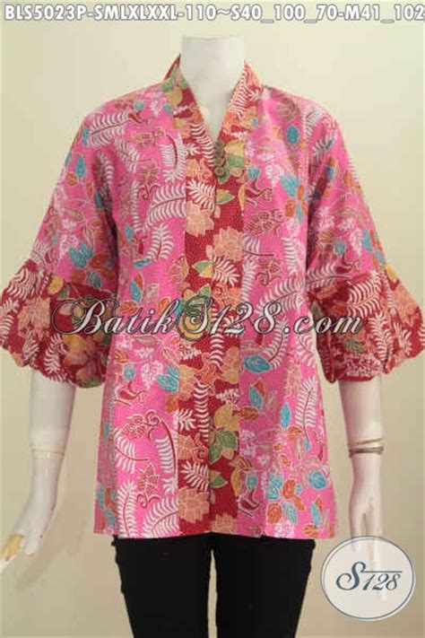 baju blus batik dua warna produk pakaian batik cewek terkini desain lengan balon harga murmer