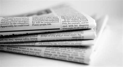 membuat teks opini 12 contoh teks editorial opini lengkap beserta