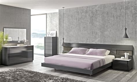 grey wood bedroom furniture 6590 90 braga bedroom set grey lacquer bed 2