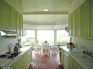 blog archive film actress joan fontaine  house  sale