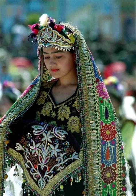 uzbek traditional dress women 34 uzbekistan 78 traditional costumes from around the