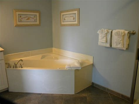 jacuzzi bathtub cleaning shower and jacuzzi tub cleaning services c c resort