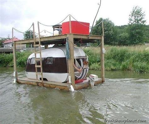 redneck house boat redneck houseboat thar i fixed it ok pinterest