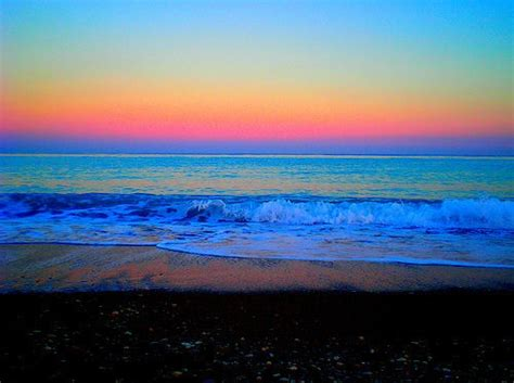 five most amazing colorful beaches of the world colorful sunset all things pretty pinterest