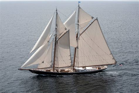 Shoo Nr by 1000 Images About Fishing Schooner On